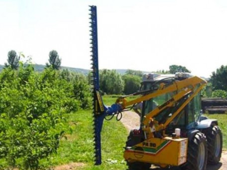 The Slanetrac HC250 Orchard Pruner